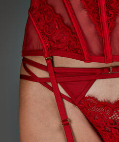 String Avery, Rouge