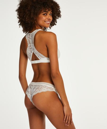 Brazilian Samira, Wit
