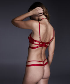String Jacky, Rouge