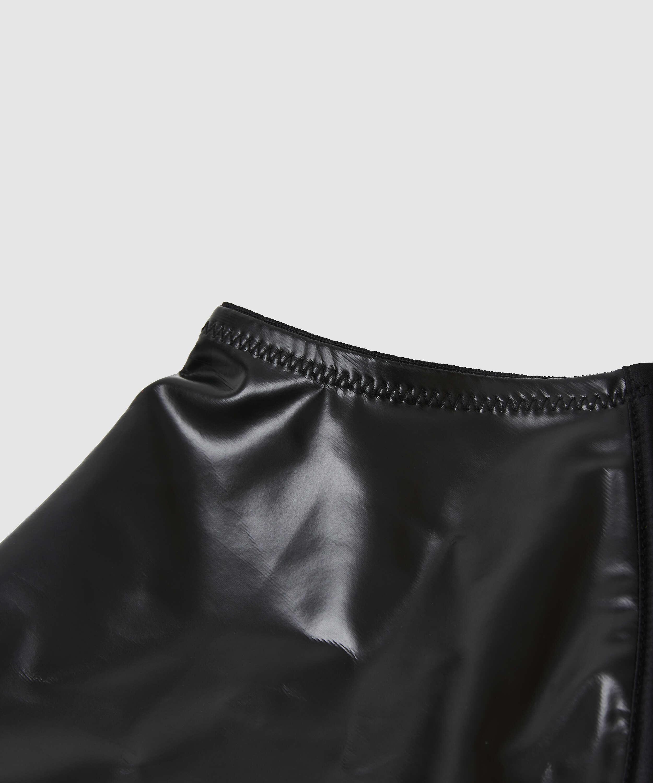 Porte-jarretelles Private aspect cuir, Noir, main
