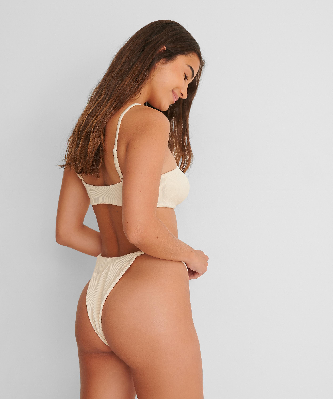 Bas de bikini échancré Texture HKM x NA-KD, Blanc, main