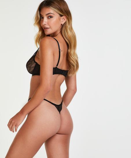 String Isabelle, Zwart