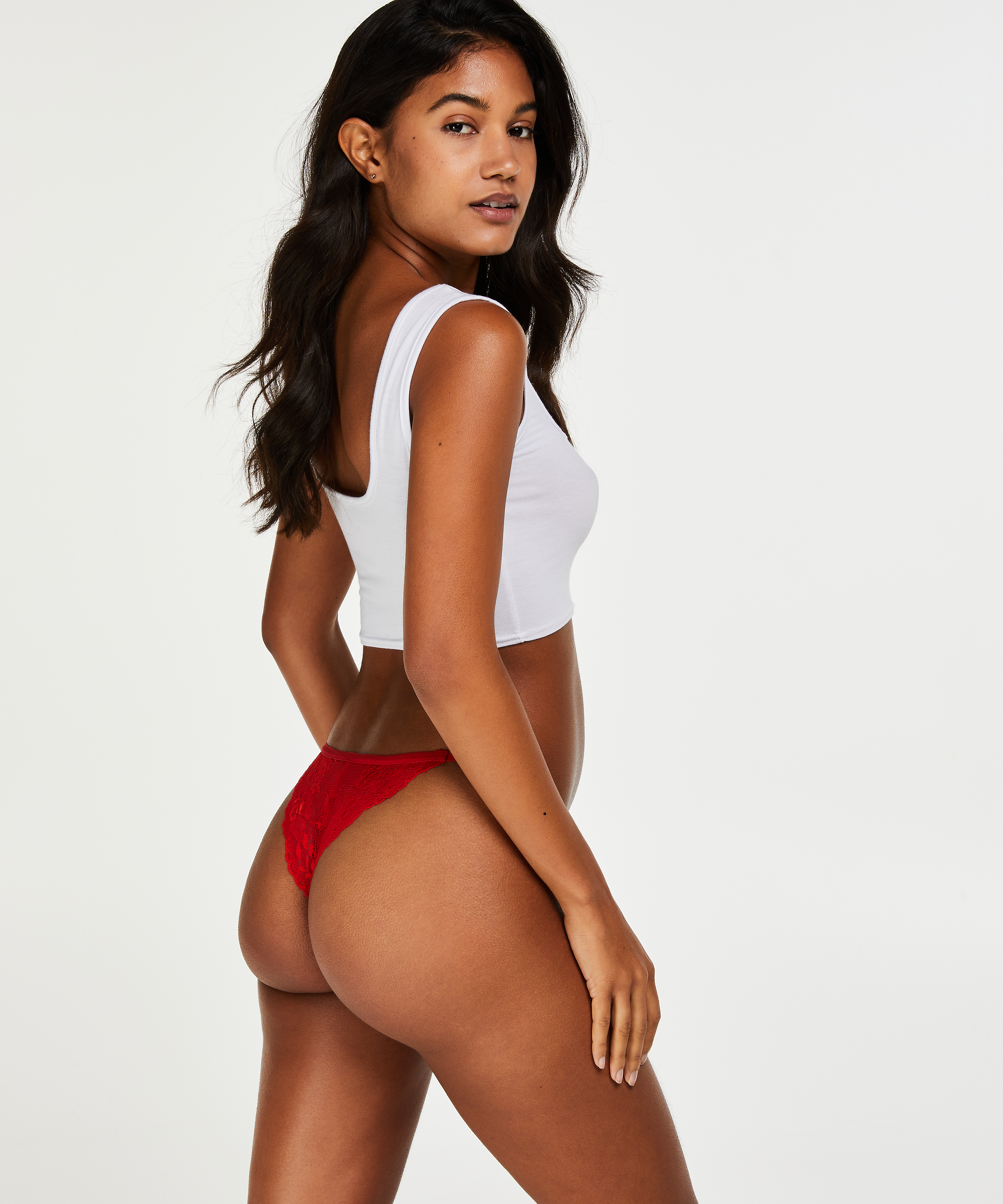 Cheekini Rosanne, Rouge, main
